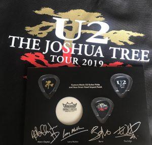 THE JOSHUA TREE TOUR 限定グッズのピック